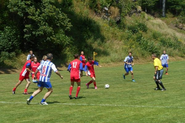 fotbal-201595376CAC-CE19-9570-0F5D-62BD5268FF3F.jpg